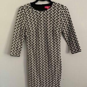 Black & White 3/4 sleeve dress